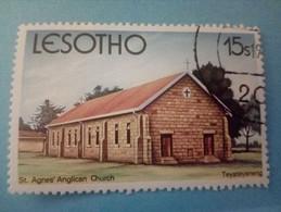 LESOTHO - Timbre De 1980 : Eglise Anglicane Sainte-Agnès De Teyateyaneng - Lesotho (1966-...)