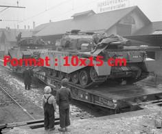 Reproduction Photographie Ancienne De Chars Centurion Sur Un Plateau Wagon à Thoune En Suisse 1954 - Riproduzioni