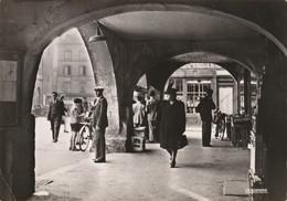 57 - THIONVILLE - PLACE DU MARCHE - ARCADES - BELLE VUE LA CIGOGNE - CIRCULLE 1951 - Thionville