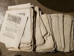 Lot De 100 Loi, Décret, Arrest,.....essentiellement Révolution, Qqs 1716 - Decrees & Laws