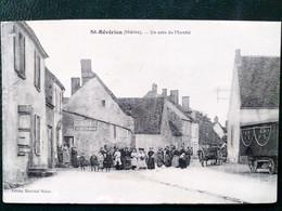 58 ,saint Révérien ,un Coin Du Marché Et Les Habitants Du Pays En 1914....scan Recto  Verso - Autres Communes