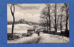 43 - La CHAISE - DIEU : Le Village, Route De La Pénide - La Chaise Dieu
