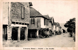 12 NAJAC  Les Arcades - Najac