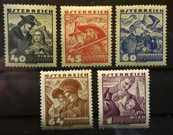 OSTERREICH AUSTRIA AUTRICHE 1934 - 1935 Costumes Régionaux   5 Timbres Yvert No 453 / 457  Neufs * MH  TB - Nuevos