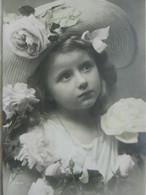 CPA  FILLETTE   Grand Chapeau  NPG - Portraits