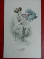 CPA  Erotique  M.M VIENNE    FEMME Dénudée  Et Son Chapeau Signée R.R - Autres Illustrateurs