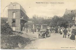 MESNIL-VAL  L'entrée De La Chaumière (animation, Voitures...) - Mesnil-Val