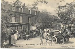 MESNIL-VAL  La Chaumière Le Jardin (belle Scène De Remplissage Du...radiateur !) - Mesnil-Val