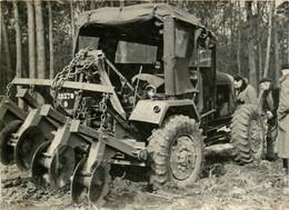 TRACTEUR AGRICOLE EN FORET GRANDE PHOTO ORIGINALE 18 X 13 CM - Cars
