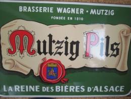 PLAQUE EMAILLEES  . BRASSERIE MUTZIG . ALSACE  . SUPERBE ETAT . Emaillerie  Alsacienne Strasbourg - Liqueur & Bière