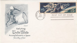 Sc#1332b (1331 & 1332) Space Accomplishments, 2 Se-tenant 5c Stamps Space Walk Theme, 1967 First Day Cover - 1961-1970