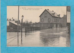 Troyes ( Aube ). - Les Inondations, 22, Janvier 1910. - La Rue Du Voyer Et Les Charmilles. - Troyes