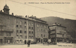MOREZ (Jura) Place Du Marché , La Fontaine Des 3 Lions Commerces RV - Morez
