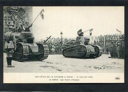 CPA - LES FÊTES DE LA VICTOIRE A PARIS - 14 Juillet 1919 - Le Défilé - Les Chars D'Assaut - Guerra 1914-18