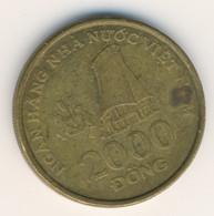 VIETNAM 2003: 2000 Dong, KM 75 - Vietnam