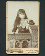 Fotografia Antiga De Menina: PHOTOGRAPHIA MARTINEZ POZAL Calçada Da Estrella LISBOA. Old CDV Photo PORTUGAL - Ancianas (antes De 1900)