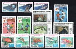 R-15 Madagascar N° 669 à 682 **  à Saisir  !!! - Madagascar (1960-...)
