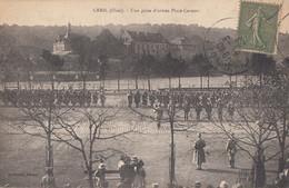CPA (60)  CREIL   Une Prise D Armes Place Carnot - Creil