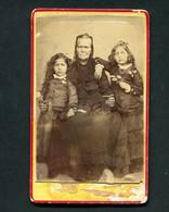 Fotografia Antiga De Avó Com 2 Netas De PHOTOGRAPHO J.M.GUERRA. Old Cdv Photo PORTUGAL - Alte (vor 1900)