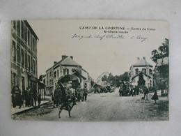 MILITARIA - CAMP DE LA COURTINE - Entrée Du Camp - Artillerie Lourde (très Animée) - Casernes