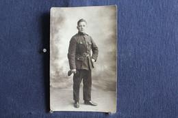 PH 358 - Photographe Braham Herve - Carte Photo D'un Jeune Militaire En Uniforme - A Définir - Personaggi