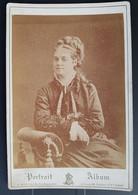 Photographie Ancienne Avt 1900 - PORTRAIT De Femme - Photographe A.BERTHON / St ETIENNE (format 11x16,5) - Alte (vor 1900)