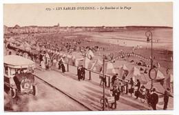 85 - LES SABLES D'OLONNE - Le Remblai Et La Plage - Très Animée (M142) - Sables D'Olonne