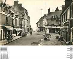 Photo Cpsm Cpm 14 GRANDCAMP. Le Musoir Chez Gustave, Boulangerie, Café Berger Et Pompe à Eau Manuelle. Timbre Manquant - Altri Comuni