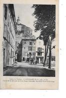DEP. 04 CASTELLANE ALT 723 M - Entrée De La Ville Par La Route Digne-Grenoble - La Vieille Tour De L'Horloge Circulée - Castellane