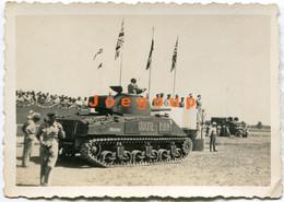 Photo Military Parade War Tank Quizil - Ribat Irak - Guerra, Militari