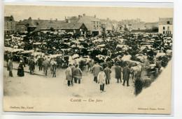 49 CANDE Une Foire Aux Vaches Place Du Village Marchands En Blouses 1904 Dos Non Divisé     ---D13-2017 - Otros Municipios