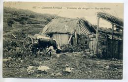 63 CLERMONT FERRAND 437 Paysan Trayant Sa Vache Ferme Fontaine Du Berger Canards Cour 1924 écrite De Mauriasc  /D11-2018 - Clermont Ferrand