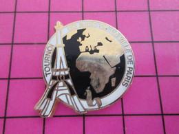 713i Pin's Pins / Rare Et De Belle Qualité !!! THEME SPORTS / TOUR EIFFEL ET BAGARRE EN PYJAMA TOURNOI DE JUDO DE LA VIL - Judo