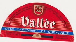 ETIQUETTE DE DEMI CAMEMBERT VALLEE CLECY 14 AB - Quesos