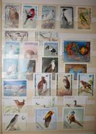 Collection Thématique Oiseaux 250 Timbres Différents - Colecciones & Series