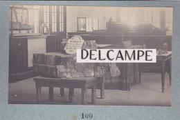 TONKIN -Exposition De Cochinchine D'HANOÏ (2 Photos- Présentation D'un Bloc De Charbon Du Tonkin - Salle - 1902 - Luoghi