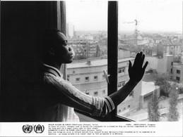 Photo UNHCR / H. Gloaguen  Demandeurs D'asile En Europe France Puteaux Paris 1986 - Ohne Zuordnung