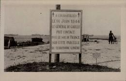 COURSEULLES SUR MER...STELE ELEVEE SUR LE LIEU DE LA PRISE DE CONTACT DU GANERAL DE GAULLE AVEC LE SOL DE FRAN  .....CPA - War 1939-45
