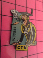 915a Pin's Pins / Beau Et Rare / THEME : SPORTS / PLONGEE SOUS-MARINE HOMME GRENOUILLE FFESSM CTN - Schermen