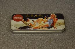 Coca-cola Company Pennenblik Pin Up - Cannettes