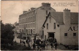 CPA 29 - HUELGOAT (Finistère) - 1100. Grand Hôtel D'Angleterre (diligence) - ND - Huelgoat