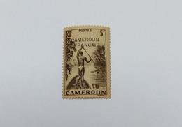 Timbre Cameroun RF Surchargé 27-8-40 Homme à La Pirogue 5f   N°230 Yvert & Tellier - Autres - Afrique