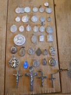 Lot De Croix Et Médailles Religieuses - Religión & Esoterismo