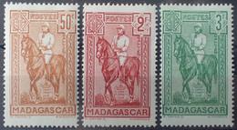 R2452/274 - 1936 - COLONIES FR. - MADAGASCAR - SERIE COMPLETE - N°190 à 192 NEUFS* - Unused Stamps