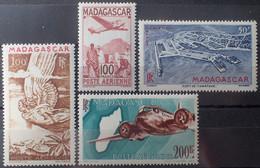 R2452/281 - 1944 - COLONIES FR. - MADAGASCAR - POSTE AERIENNE - N°62 à 64A NEUFS* (sauf N°62A) - Unused Stamps