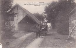 Environs De Royan Le Train Forestier De La Grande Cote Le Depart (petite Déchirure Sur Un Coin) - Royan