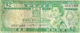 FIJI $2 GREEN QEIII HEAD FRONT & SUGAR TRAIN  BACK ND(1980)P.77a VF READ DESCRIPTION!! - Fiji