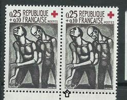 [45] Variété : N° 1324 Croix-rouge 1961 Doigt Coupé Tenant à Normal ** - Variétés: 1960-69 Neufs