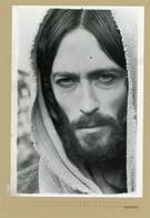 "Photo Originale . Le Comédien  ROBERT POWELL  Dans ""  Jesus De Nazareth "" - Berühmtheiten"