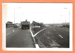 PHOTO ORIGINALE 1972 - ACCIDENT DE VOITURE PEUGEOT 504 - CRASH CAR - Auto's
